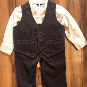 Baby boys corduroy 3 piece suit BNWT